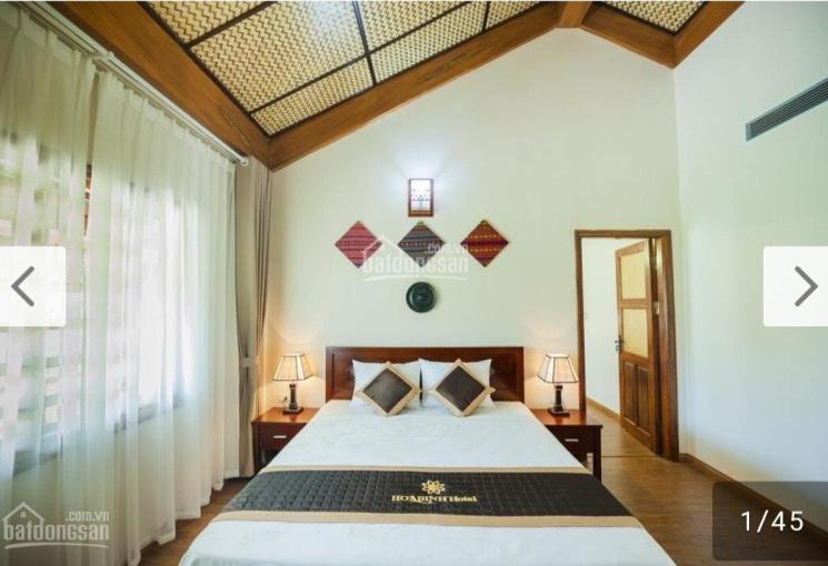 Cần bán khách sạn 3.5 tầng 18 phòng tại Thung Nai, TP Hòa Bình