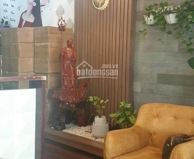 Bán nhà mặt tiền Hà Huy Tập, 4 tầng mới, vị trí rất đẹp. DT: 5 x 20m