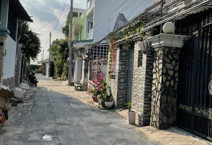 Nhà trệt lầu hẻm xe hơi ngay trường THCS Linh Đông đường Lý Tế Xuyên, giá 4.55 tỷ TL chủ