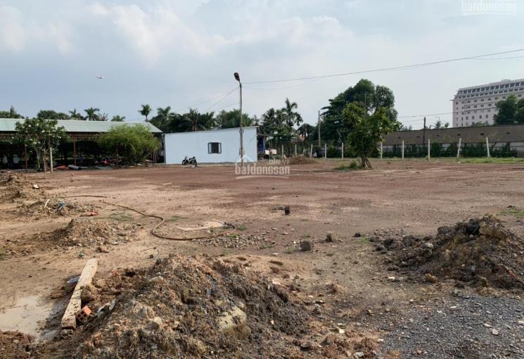 Cho thuê đất 50x50=2500m2 mặt tiền đường An Phú Đông 03, giá 70 triệu / 1 tháng thương lượng