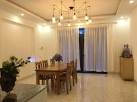 Cho thuê nhà biệt thự đẹp đường tuyến tránh, dương đông, tiện ở và làm văn phòng, lh 0988 891 149