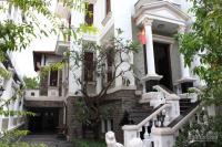 Cho thuê căn biệt thự rất đẹp khu vực thảo điền, 7 pn, hồ bơi, 800m2, giá thuê hợp lý 0934643364