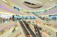 Bán sảnh kiot để buôn bán tại trung tâm thương mại hqc hóc môn đang set up để kinh doanh 0909456158