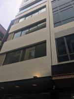 Cho thuê nhà 8 tầng xây mới cho thuê 3 tầng lẻ riêng 80m2 làm spa, văn phòng. lh 01653334448