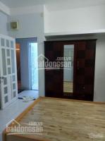 Cho thuê phòng cmt8 giá 3tr5/th có tủ giường bàn máy lạnh, ban công ngoài cửa sổ. 0902950673 nhi