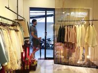 Sang nhượng cửa hàng thời trang tại 9b phố hội vũ - 95 triệu, có thương luợng chỉnh chủ: 0945566633