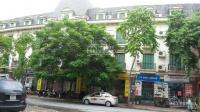 Chúng tôi cho thuê nhà mặt phố Đỗ Quang. Diện tích 100m2 xây 6 tầng có hầm, thông sàn mặt tiền 5m