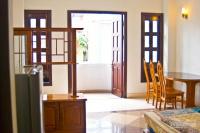 Chính chủ cho thuê phòng hẻm 100 nguyễn đình chiểu, q1, 40m2, full nội thất, free dọn phòng + giặt
