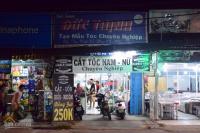 Cần sang tiệm tóc nam nữ mặt tiền 34 đường phan văn hớn, lh: 01226724145 chị thu