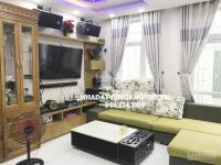 Siêu mẫu vũ hoàng việt bán biệt thự mini phố, dt: 9m x 8,5m, giá: 3,95 tỷ, lh: 094.224.3399