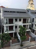 Cho thuê MB Ngã Tư Sở làm nhà hàng, showroom, cafe S=400m2, xây 300m2 x 3T, MT 15m, giá 299tr/tháng