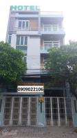 Bán khách sạn thu nhập cao. 17 phòng. đường 20m, 3 lầu- ngay bến xe ngã tư ga dt: 613m2