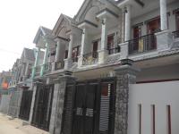 4 căn nhà phố gần chợ hóc môn bà điểm, chính chủ shr, đường 12m, chỉ 950 triệu, lh 0931467912