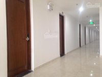 cho thuê văn phòng gần sân bay tại sky center dt 36m2 giá 8 trth full nội thất lh 0933510164