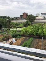 cần bán nhà 1 trệt 2 lầu đường bến mễ cốc quận 8 sổ đầy đủ môi trường tốt lh 0775672720