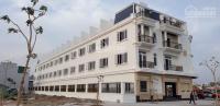 gia đình đầu tư thua l cần bán gấp căn nhà 3 tầng mới xây vị trí đẹp gần chợ đông dân cư