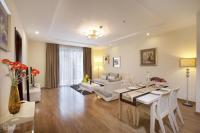 Tôi cần cho thuê căn hộ The Lancaster 20 Núi Trúc, Ba Đình, HN, 94m2, 2PN, NT rất đẹp, 24trth LH: 0987396990