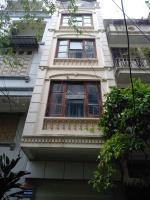 Cho thuê nhà Trần Quốc Hoàn, 60mx5 tầng, giá thuê 18trtháng LH: 0966033146