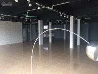 cho thuê mặt bằng hơn 500m2 phù hợp làm showroom trưng bày sp văn phòng