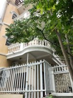 Cho thuê nhà riêng 4 tầng full đồ Nguyễn Văn Cừ, Long Biên, 100m2 sàn Giá: 10 triệu tháng LH: 0967406810