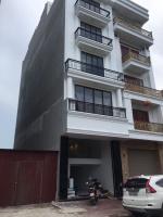 Cho thuê tòa nhà 6 tầng full nội thất, gồm 14 phòng hiện đại full nội thất, thang máy, 0936606133