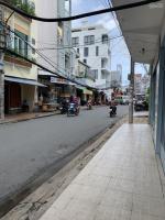 Cho thuê nhà 1 lầu dọn vào ở ngay, đường Trần Bình Trọng, cách Lý Tự Trọng 10m, diện tích hơn 15m2, LH: 0939449951