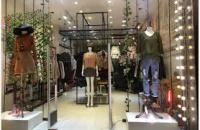 Cửa hàng đẹp mặt phố Quán Thánh 80m, mặt tiền 4m cao rộng thoáng cho thuê ngay LH: 0985818293
