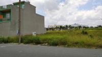 Cần bán gấp lô đất chính chủ gần chợ và bến xe trung tâm Đức Hòa,700 triệu,100m2,sổ hồng LH: 0909852109