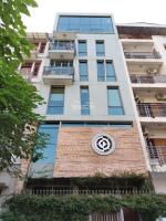 Bán nhà pl ngõ 100 Võ Chí Công DT75m2 xây 7 tầng thang máy oto 7 chỗ vào nhà, giá 105tỷ LH: 0963133949