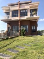 Chính chủ kẹt ngân hàng cần bán gấp nhà trong khu biệt thự cao cấp đối diện trường đại học quốc tế LH: 0933626428