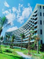 Cần bán căn khách sạn có hồ bơi và sân vườn mặt biển giá 14 tỷ, đang cho thuê 37 triệutháng LH: 0908868304