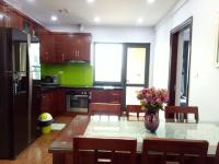 bán căn hộ d2 giảng võ ba đình 107m2 03pn giá chỉ 48trm2 lh 0945894297