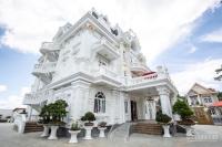 Cần tìm người kế thừa khách sạn Hoàng Gia, Yên Thế, Đà Lạt, DT 529m2, Giá 85 tỷ TL LH: 0943211439