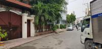 Cho thuê biệt thự 2 mặt tiền hẻm Nguyễn Gia Trí LH: 0902586885