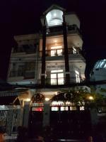 Cho thuê nhà MT Út Tịch Tân Bình 70m2 có sân 20m để xe thoải mái, 4 tầng khu sầm uất chỉ 37trth LH: 0902981689