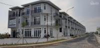 cần bán căn nhà 1 trệt 2 lầu mua vào ở ngay gần ngã ba giồng