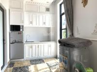 Cho thuê nhà đầy đủ tiện nghi full option bên Vinhome Imperia LH: 0902032899