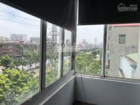 cho thuê tầng 6 số 435 kim ngưu 45m2 5 6 triệutháng có thang máy