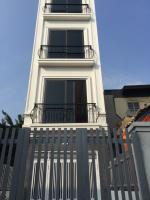 bán nhà riêng 54m2 x 45 tầng mới xây tổ 10 thạch bàn long biên lh 0989849472