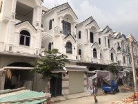 chính chủ xây bán khu biệt thự 3 tầng dt 65x13m khu dân cư an ninh có cổng bảo vệ 2424