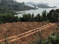chính chủ cần bán đất gần sát hồ núi cốc tỉnh thái nguyên lh 0986875767