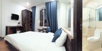 bán khách sạn đang kinh doanh doanh thu cao cuối tuần full 100 mặt tiền đường lớn