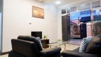 cần bán gấp biệt thự trong khu biệt thự á châu diện tích 3571 m2 hiện đang kinh doanh khách sạn