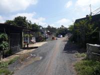 chủ cần ra gấp lô đất 1915m2 2 mặt tiền đường có 300m thổ cư shr