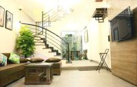 bán căn nhà cực xinh giá 7 tỷ ngõ phố lạc long quân xe hơi vào nhà 0984868678