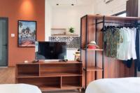 cho thuê căn hộ mini đầy đủ giường tủ điều hòa tủ bếp dt 46 m2 mặt tiền đường bà triệu