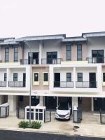 bán nhà 3 tầng diện tích đất 75 m2 đường rộng 12 m giao thông thuận tiện không gian sống sạch sẽ