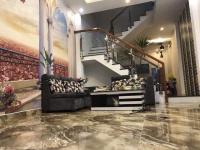 tôi chính chủ cần bán gấp nhà đẹp 1 trệt 2 lầu có sổ hồng riêng bán như cho lh 0933037320