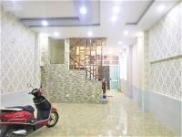 mặt tiền đ công tường dt 52mx165m xây 2 lầu sân thượng giá 22tr tháng