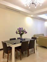chính chủ bán 2 căn hộ royal city r5 2 phòng 105m2 và r3 3 phòng 169m2 lh thế 0941219666